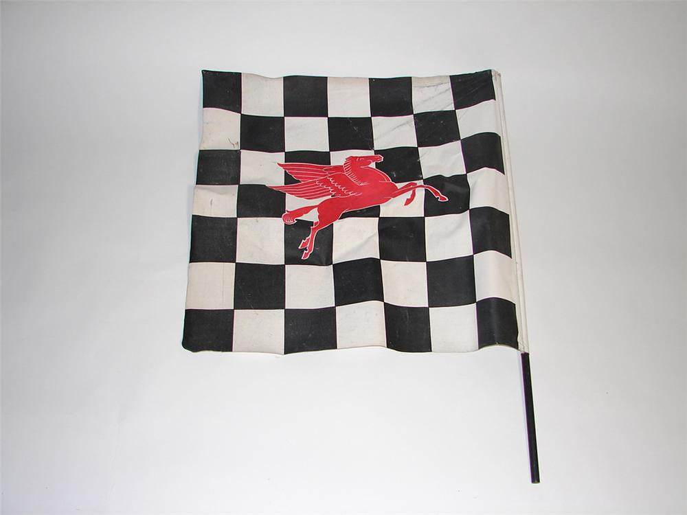 Spectacular late 1950s-early 60s Mobil Raceway checkered flag. - Front 3/4 - 101895