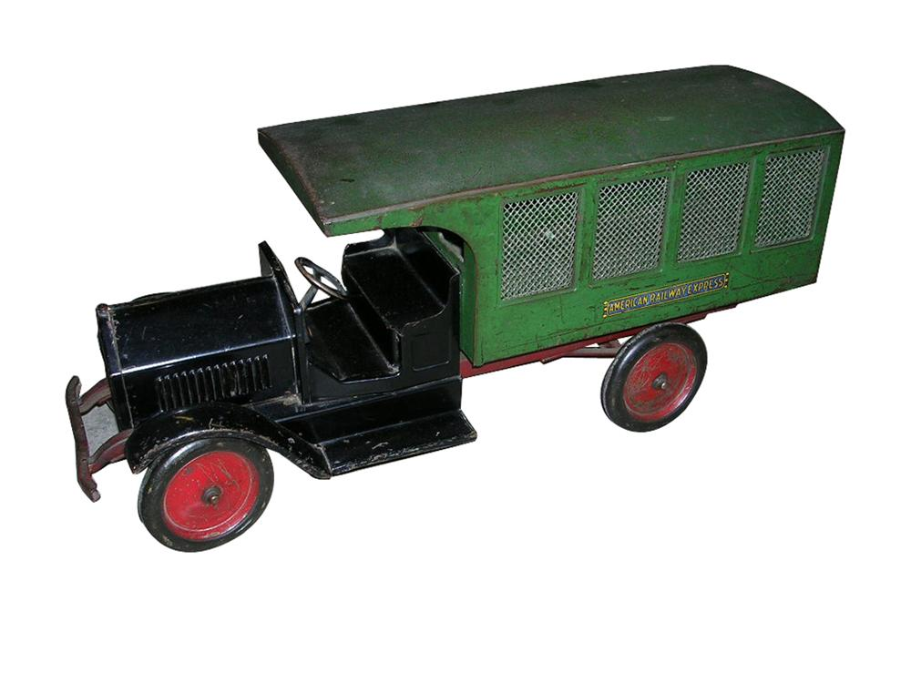 Seldom seen 1930s Sturditoy American Railway Express Truck. - Front 3/4 - 102214
