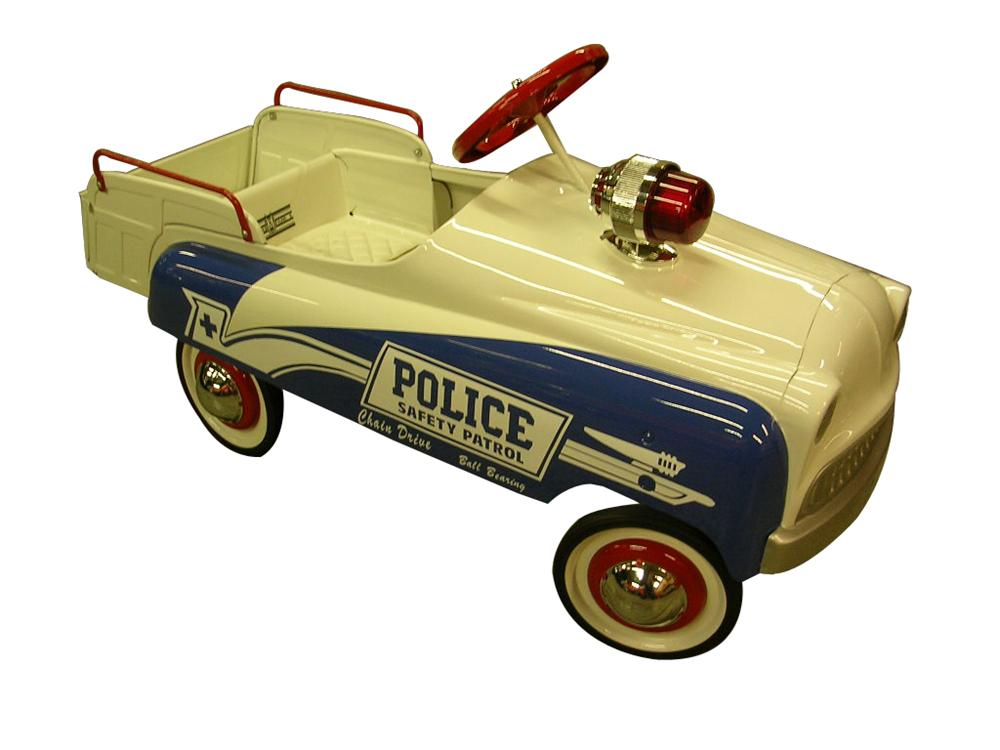 1950s Murray Champion Police Pedal Car with optional chain drive. - Front 3/4 - 102219