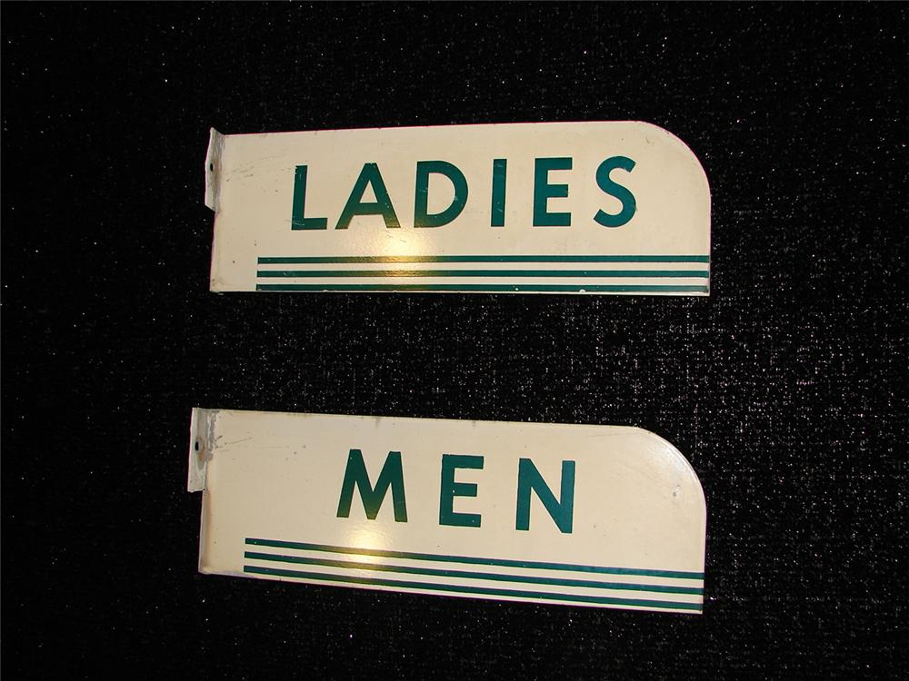 Pair of 1950s Texaco Mens Ladies Rest Rooms tin painted flange signs. - Front 3/4 - 105453