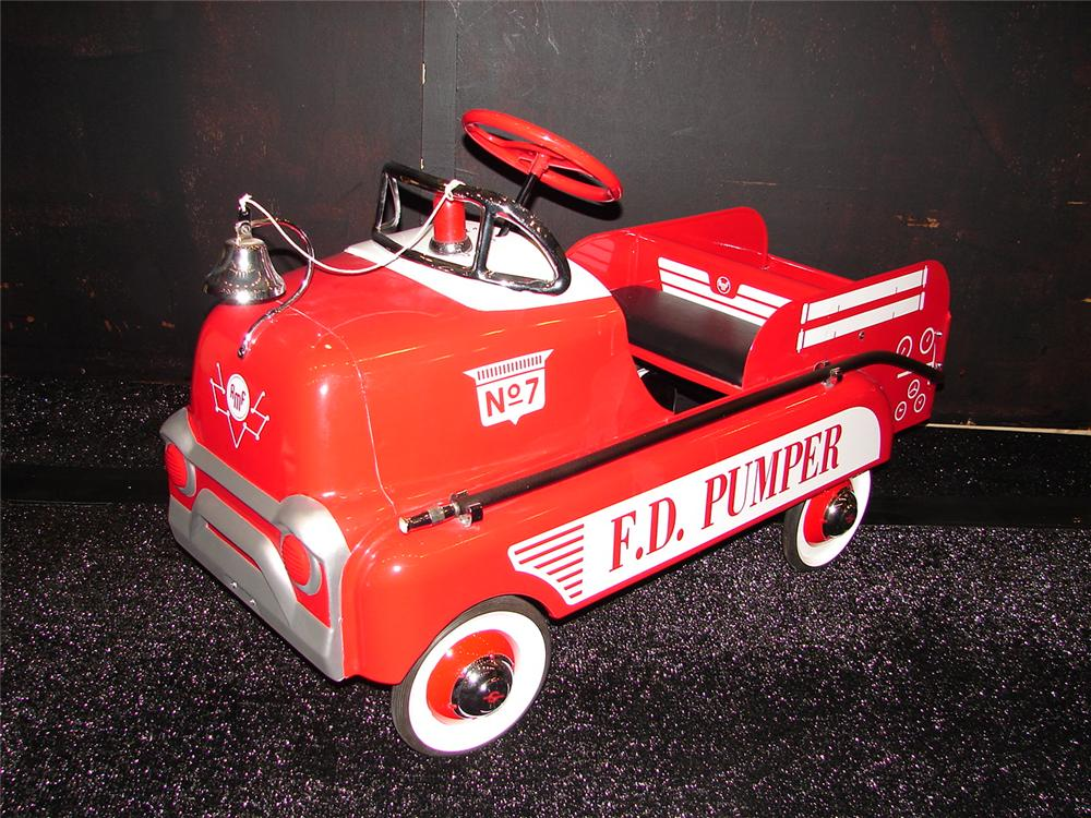 Terrific 1950s AMF Fire Department Pumper pedal car. - Front 3/4 - 105474