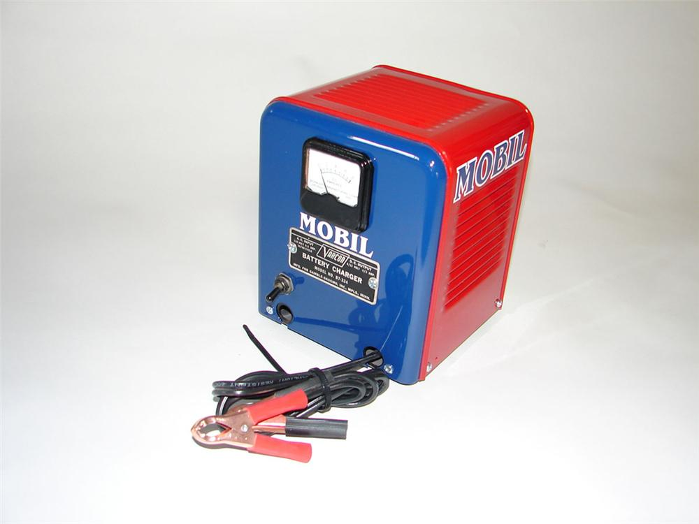 Small 1950s Mobil Oil service department aesthetically restored battery charger by Varcon. - Front 3/4 - 108408
