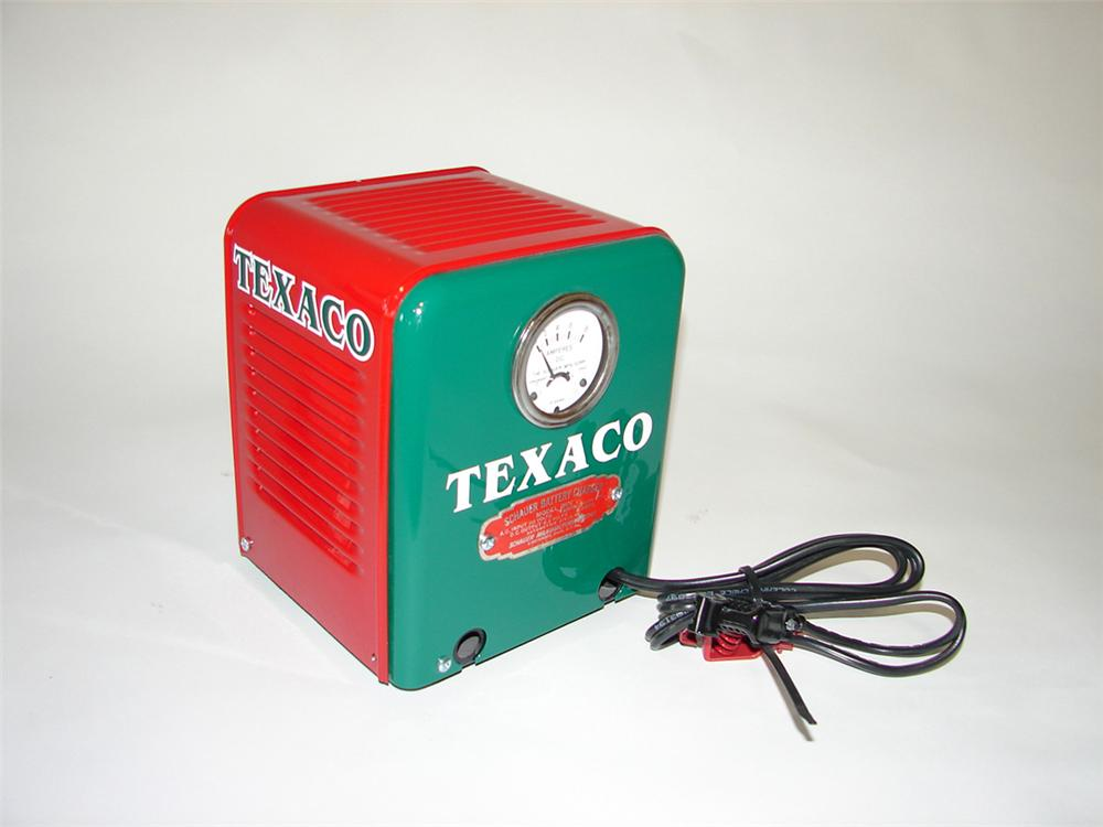 Neat 1940s Texaco Oil service department counter-top battery charger by Schauer. - Front 3/4 - 108409