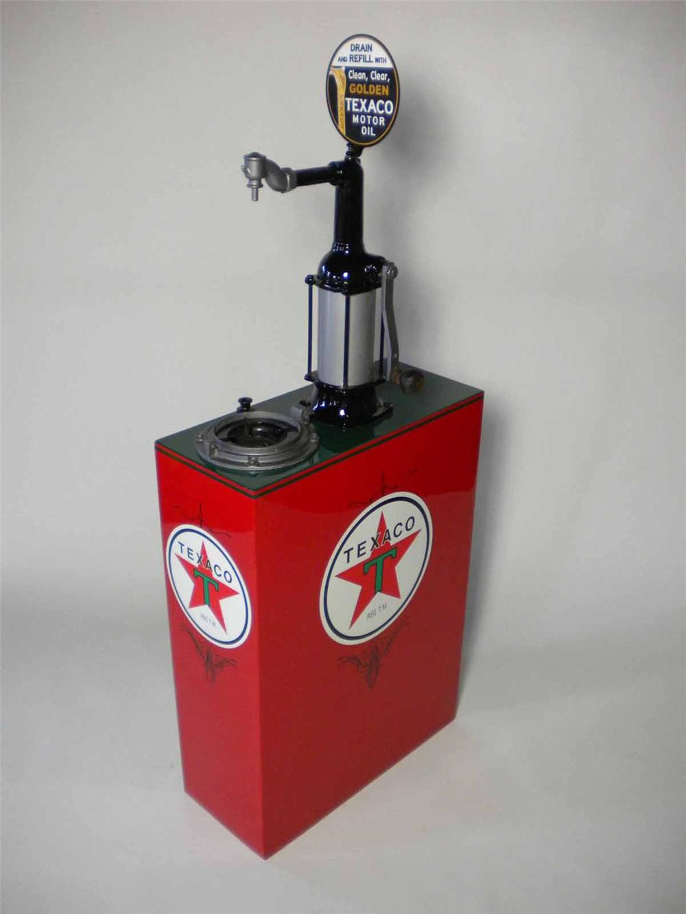 Perfectly restored 1930s Texaco service station 30 gallon hand crank oil lubester. - Front 3/4 - 108511
