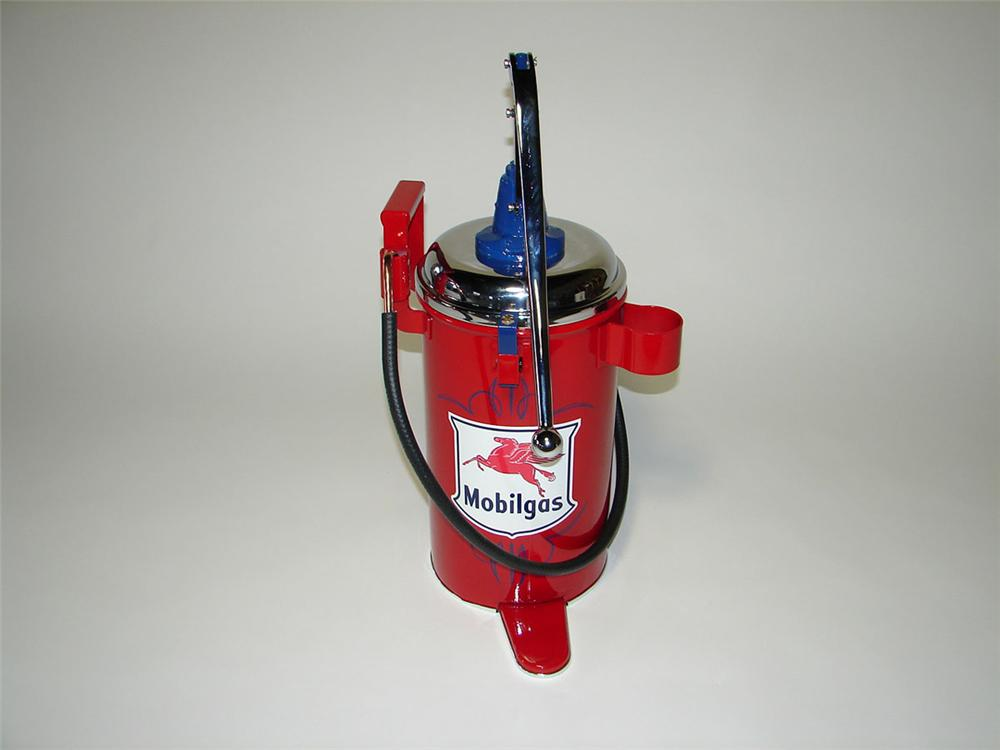Choice 1940s Mobilgas service department Lincoln five gallon hand pump greaser. - Front 3/4 - 108525