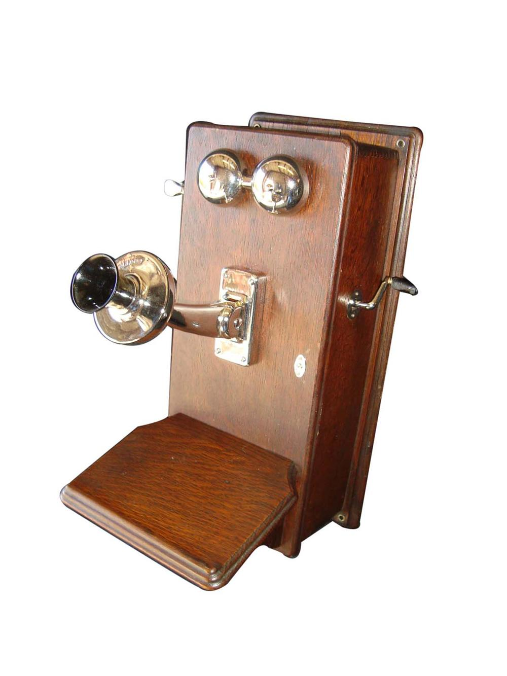 Fantastic 1920s wooden hand crank telephone fully re-chromed and restored. - Front 3/4 - 108665