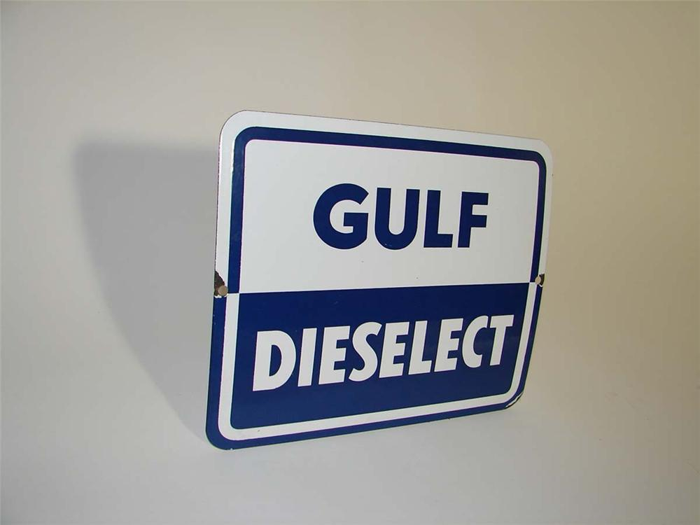 Rare late 1950s Gulf Dieselect porcelain pump plate sign. - Front 3/4 - 112977
