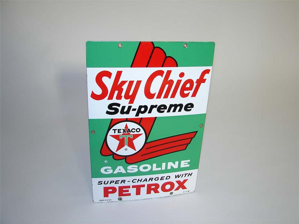Sharp 1961 Texaco Sky Chief with Petrox porcelain pump plate sign. - Front 3/4 - 112978