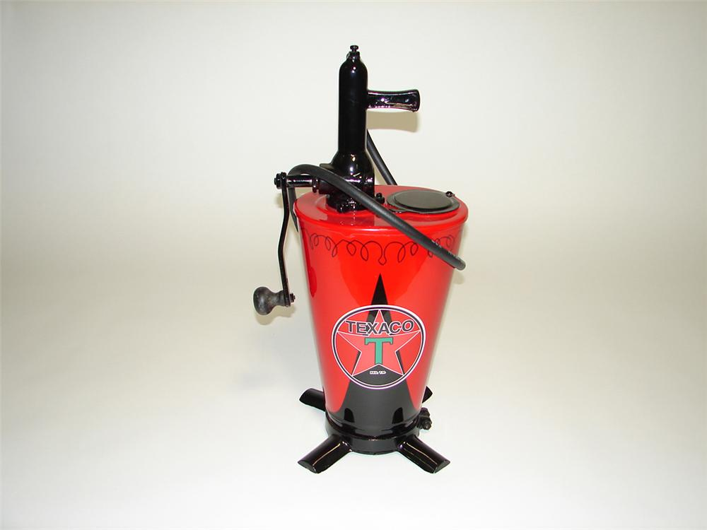Beautifully restored 1920s-30s Texaco five gallon hand crank service department greaser. - Front 3/4 - 113014