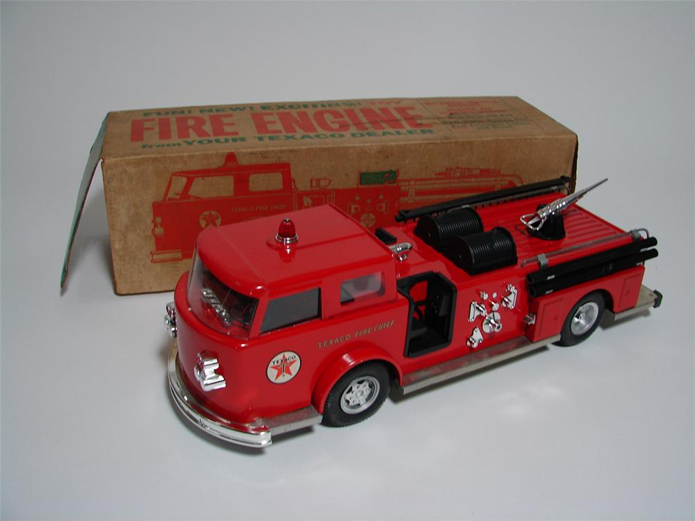 N.O.S. 1960s Texaco Fire Chief Buddy L Toys promotional fire engine with working water gun. - Front 3/4 - 113352