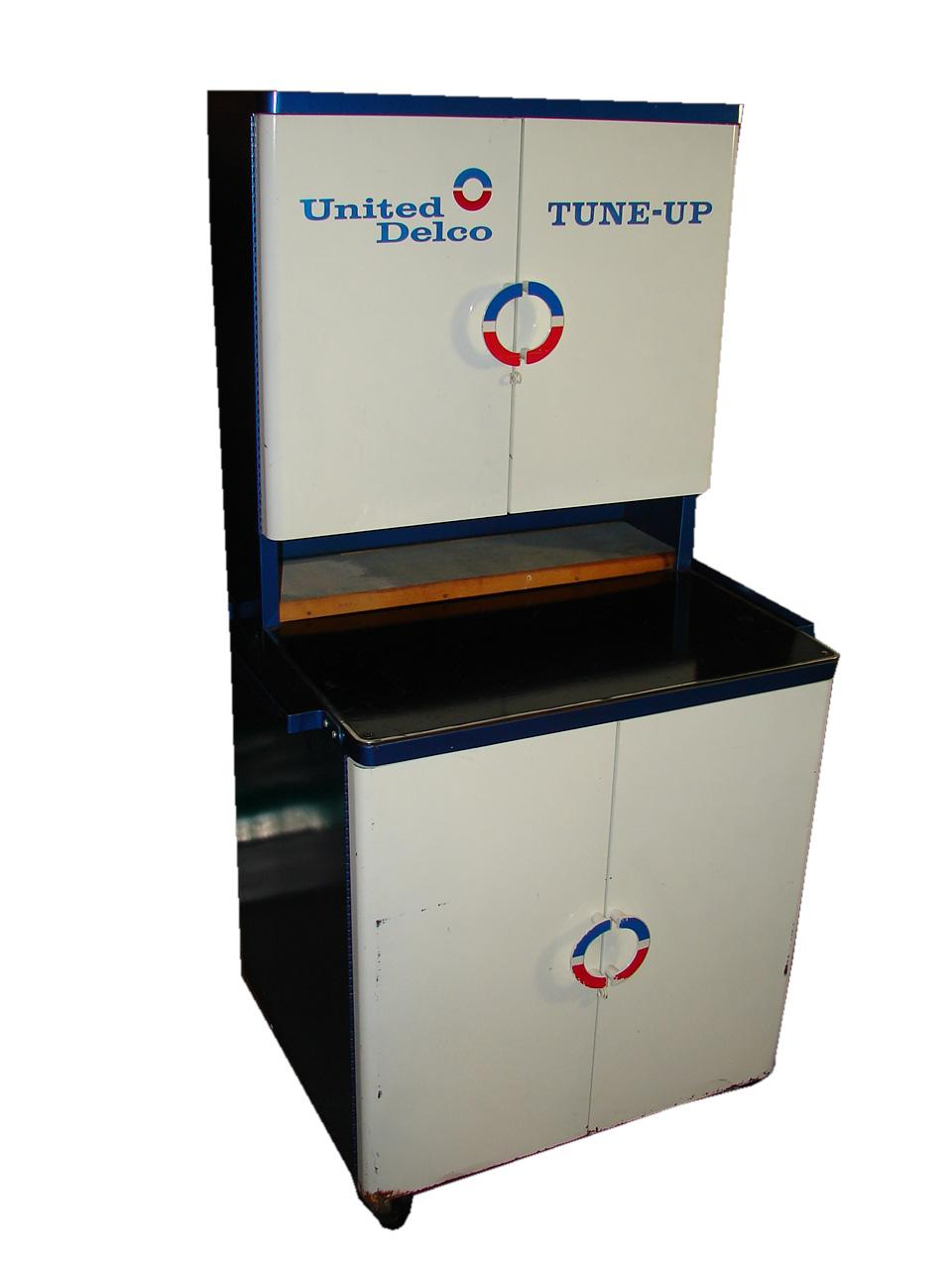 "Very clean 1960s United Delco ""Tune-UP"" service department cabinet. - Front 3/4 - 116740"