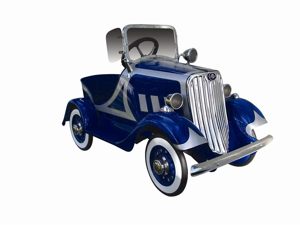 Striking 1935 Packard Deluxe pedal car. One of the rarest pedal cars ever produced. - Front 3/4 - 116960