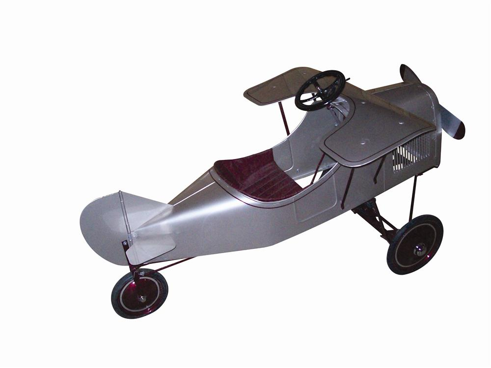 Tastefully restored 1945 Spirit of St. Louis pedal car airplane. - Front 3/4 - 116961