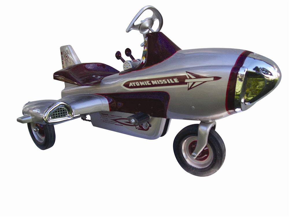 1955 Atomic Missile pedal car by Murray. - Front 3/4 - 116962