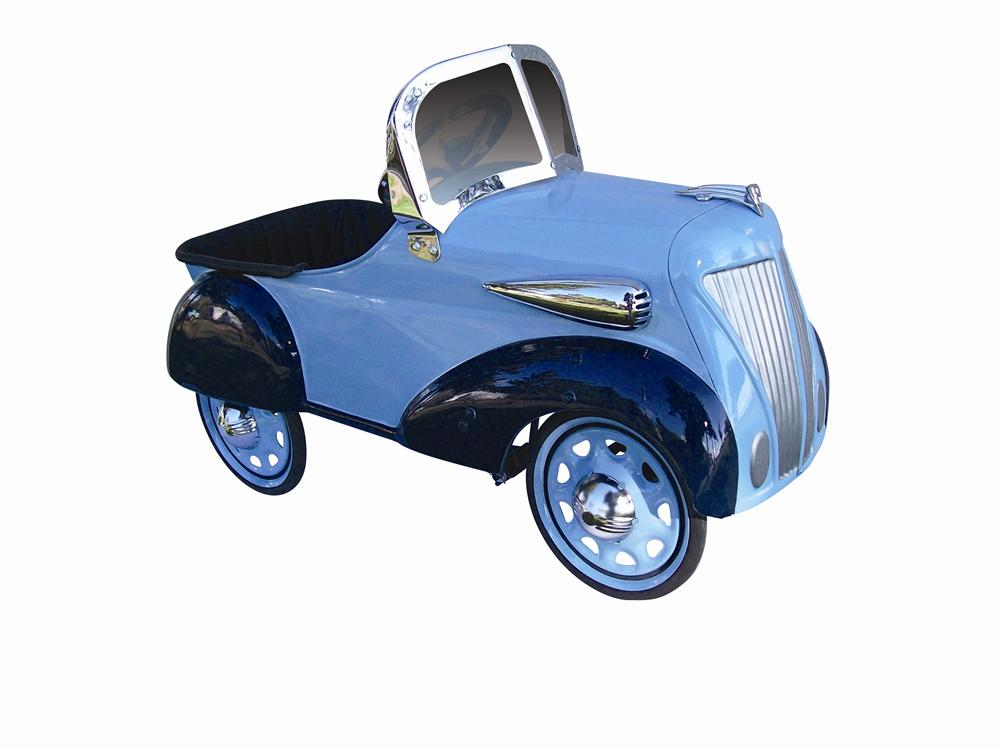 Stunning 1936 Ford pedal car by Steelcraft. - Front 3/4 - 116963