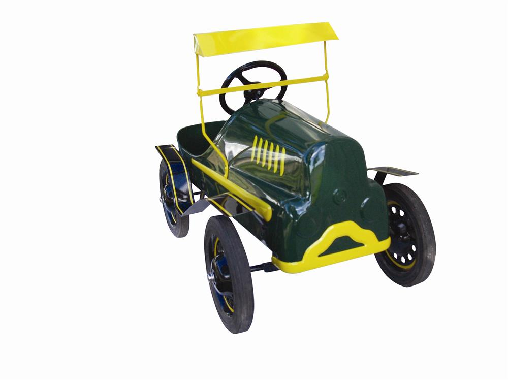 "Fabulous ""Tin Lizzy"" by Garton pedal car. - Front 3/4 - 116967"