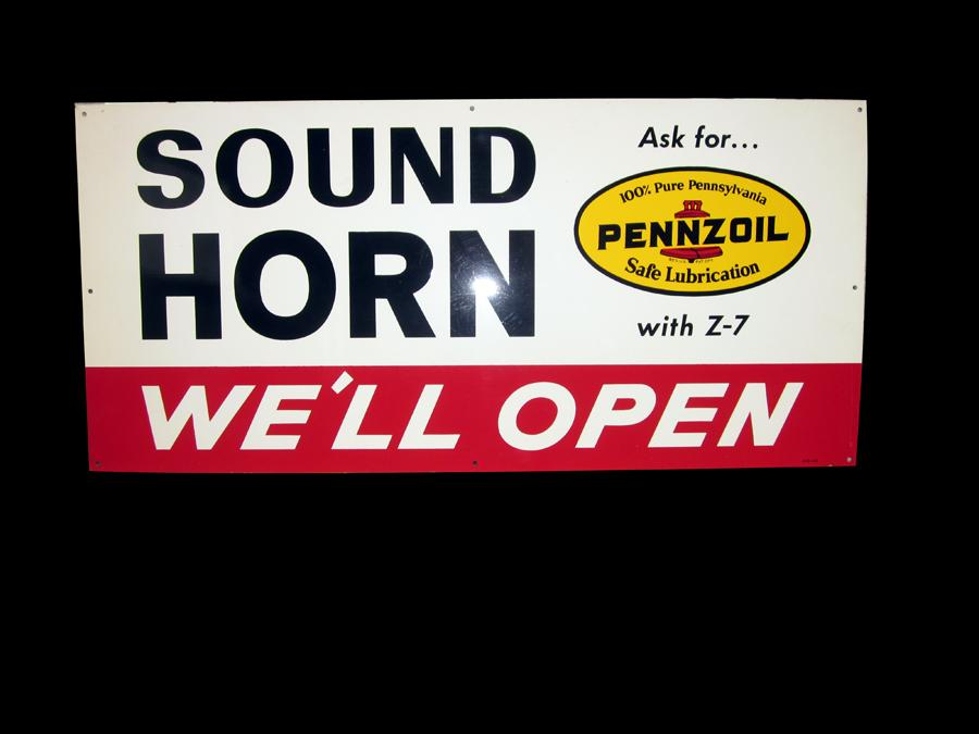 "1950s N.O.S. Pennzoil ""Sound Your Horn"" single-sided tin painted garage sign. - Front 3/4 - 116981"