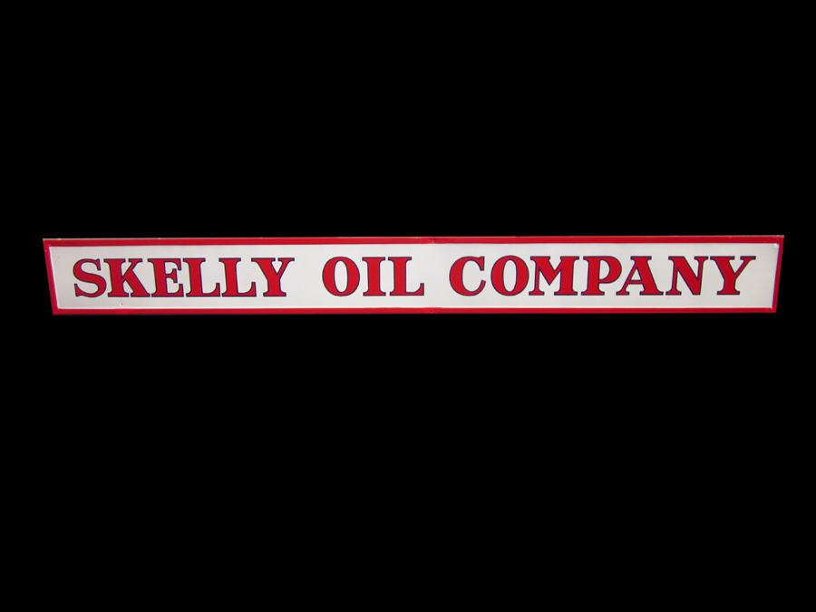 Large 1930s Skelly Oil Company single-sided porcelain service station sign. - Front 3/4 - 116982