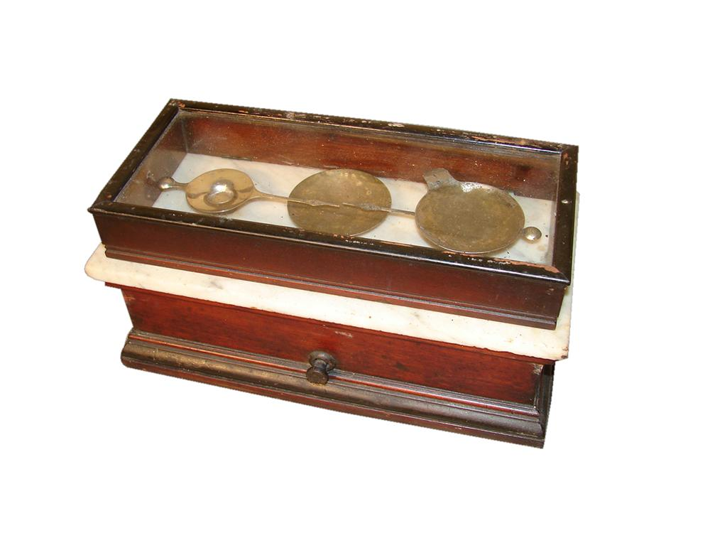Late 1800s drug store scale with single-drawer cabinet. Comprised of marble and wood. - Front 3/4 - 117861