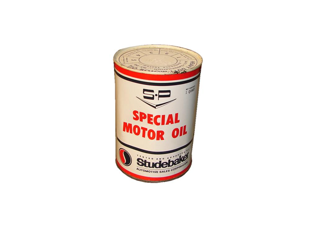 Neat N.O.S. 1950s Studebaker SP Special Motor Oil quart can still full and unused. - Front 3/4 - 117873