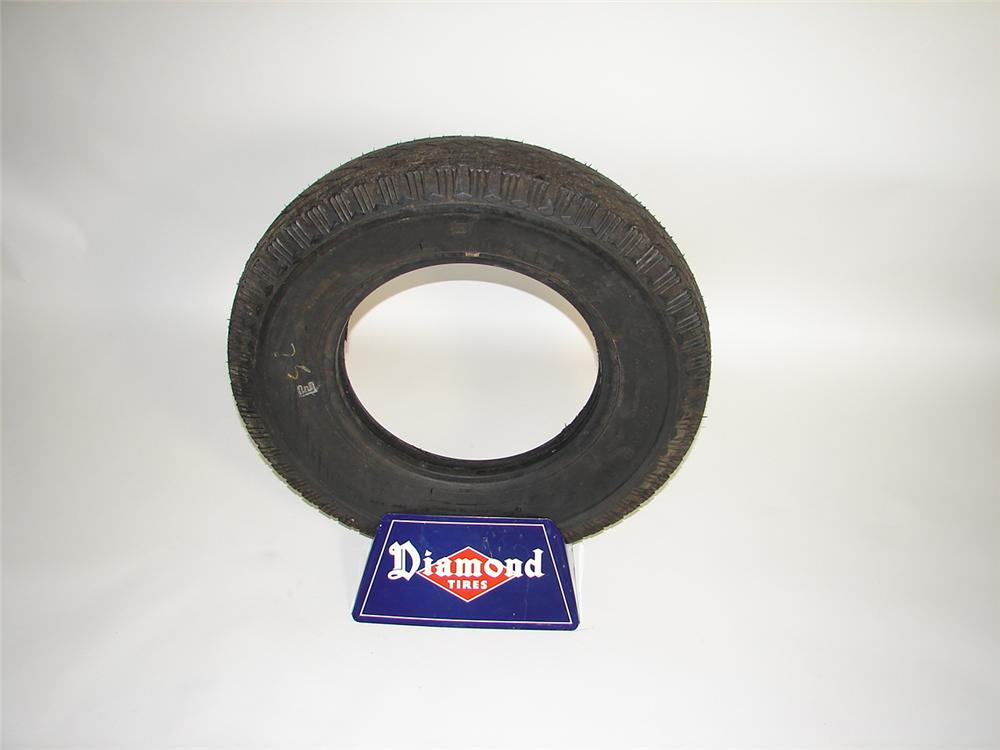 1940s Diamond Tires service station tire display with period tire included. - Front 3/4 - 117921