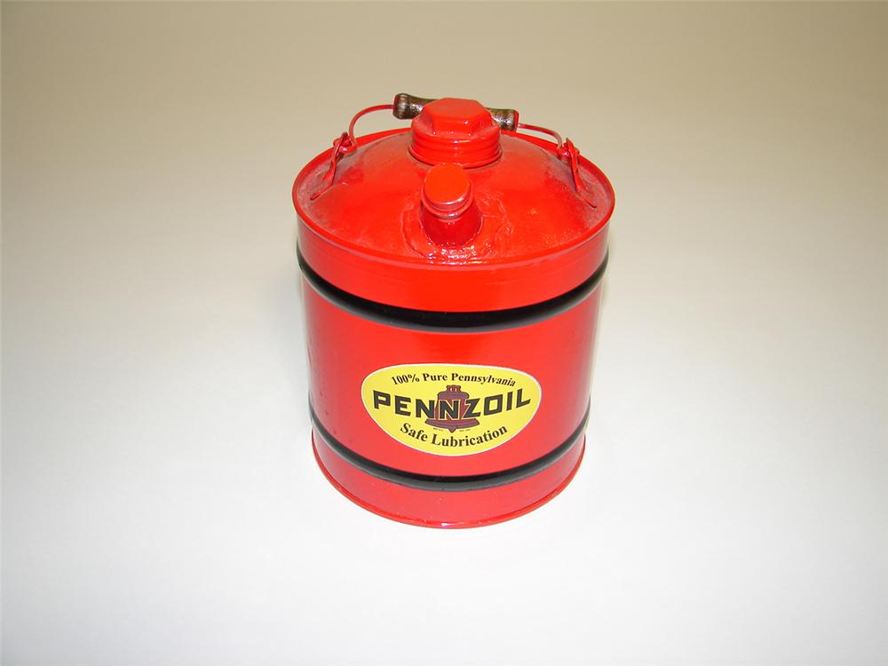 Very cool 1930s-40s Pennzoil one-gallon restored service garage fluid can. - Front 3/4 - 117942