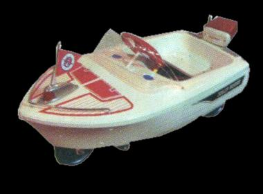Wonderful 1950s Murray Jolly Roger pedal car boat. A rare find with boat motor in tact on the rear. - Front 3/4 - 117988