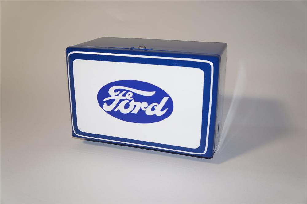 Nicely restored vintage service department towel dispenser presented in Ford regalia. - Front 3/4 - 125413