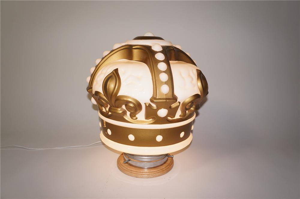 Stunning 1930s Standard Oil gold crown one-piece gas pump globe.  Presents strongly!  Possibly never used! - Front 3/4 - 125474