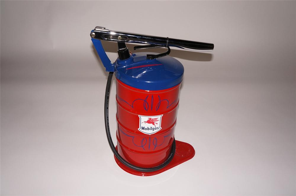 Impressive 1930s-40s Mobil Oil five gallon hand pump service department greaser. - Front 3/4 - 130634