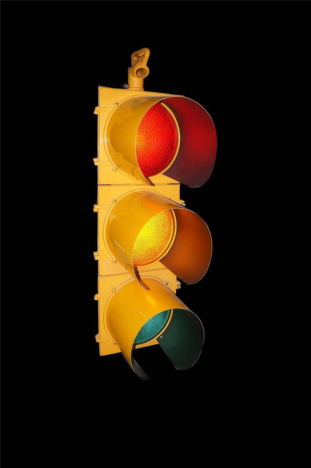 Neat vintage municipal traffic light. Lights and works perfe - 130765 for Real Traffic Lights  300lyp