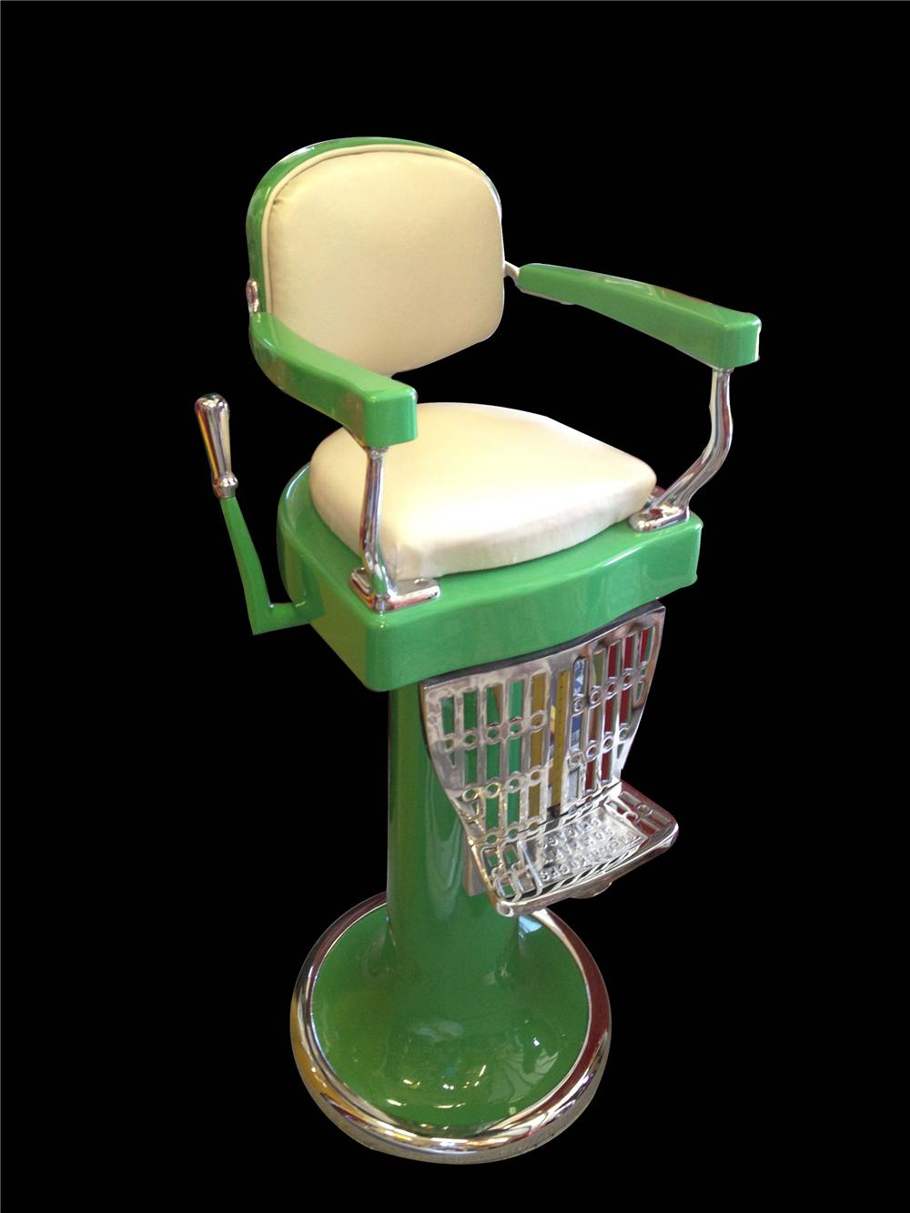 Incredible 1930s porcelain finished Barber shop Childs barber chair by Koken. - Front 3/4 - 130766