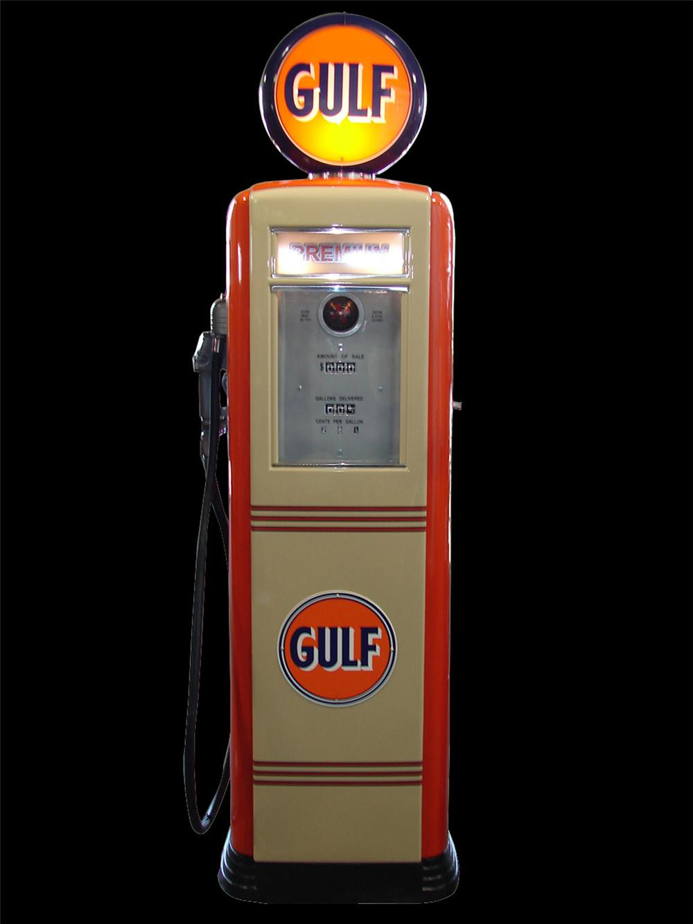 Wonderful 1949 Gulf Gasoline Tokheim model 39 service station gas pump. - Front 3/4 - 130816