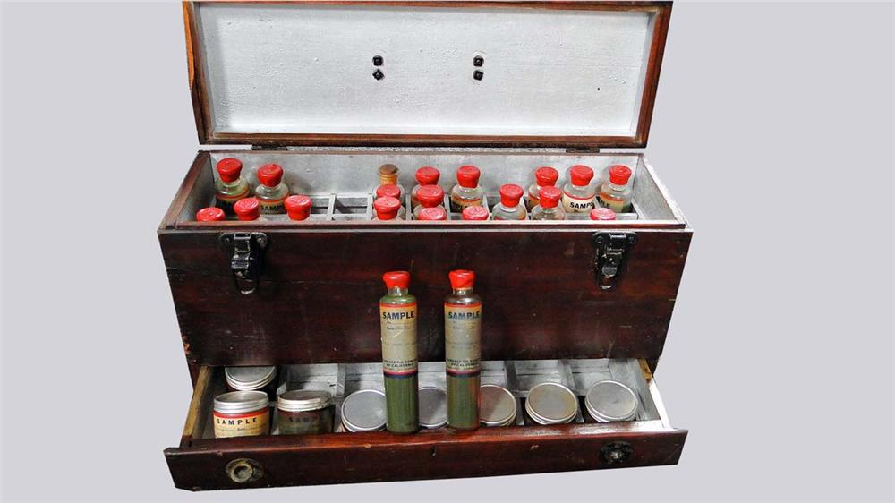 Nifty circa 1930s Standard Oil sample bottles of oil and grease.  Still in the original carrier. - Front 3/4 - 130844