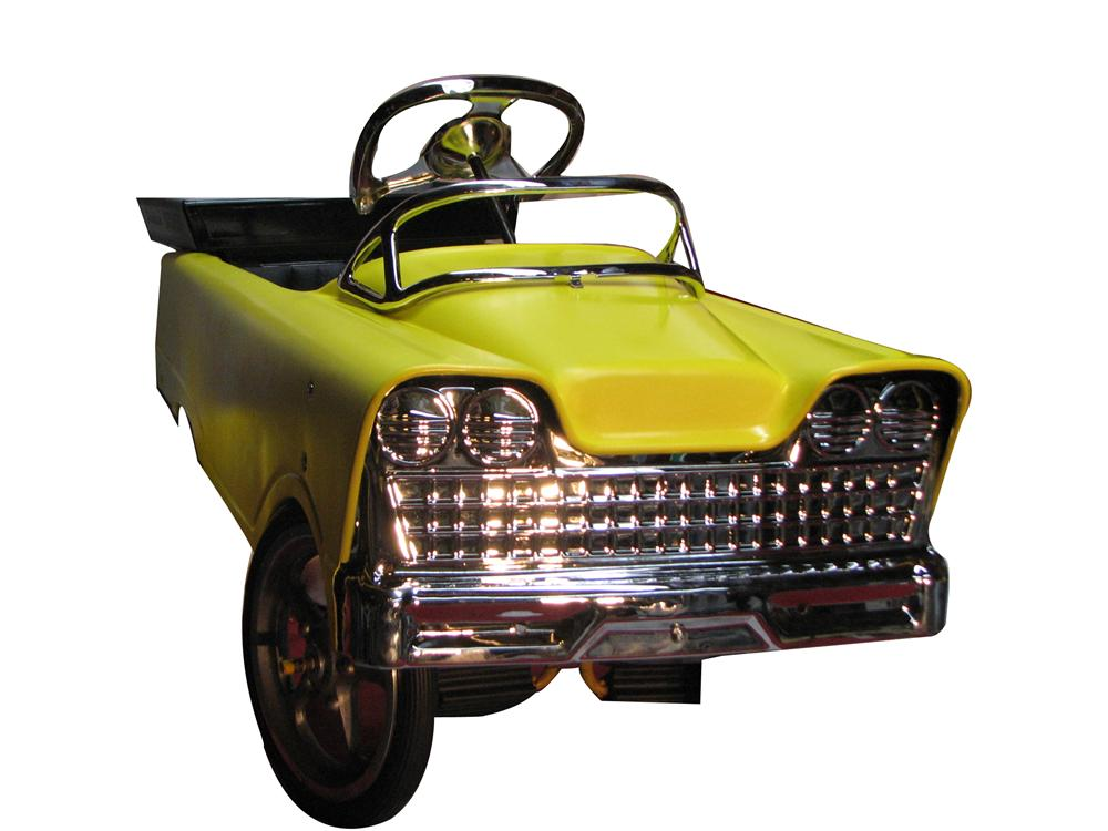 Magnificent 1960s Murray pedal car earth mover. - Front 3/4 - 130871