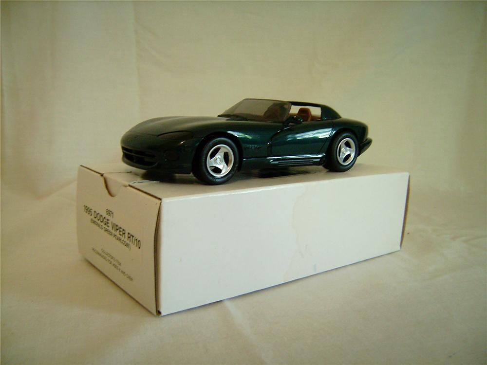 N.O.S. 1995 A.M.T. Dodge Viper dealer promotional model still in the original box. - Front 3/4 - 130874