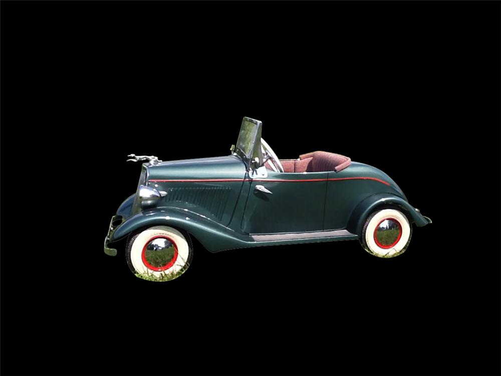 Superb 1934-1936 Ford Convertible with simulated rumble seat. Green with red pinstriping. - Front 3/4 - 133345