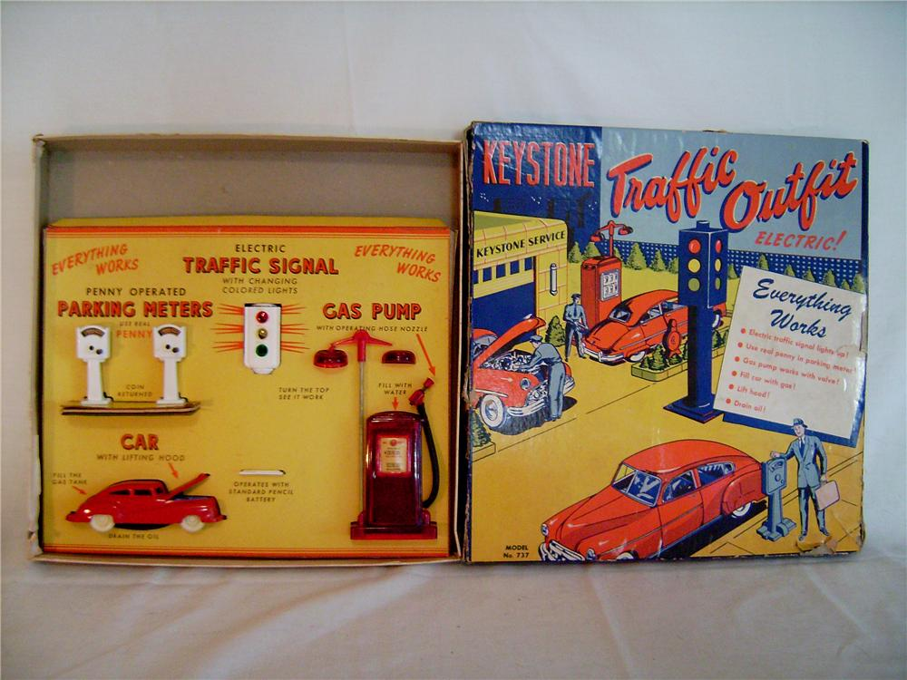 Exceptional original 1940s Keystone Toys electric traffic set.  Includes Car, traffic signal, gas pump and more. - Front 3/4 - 133385