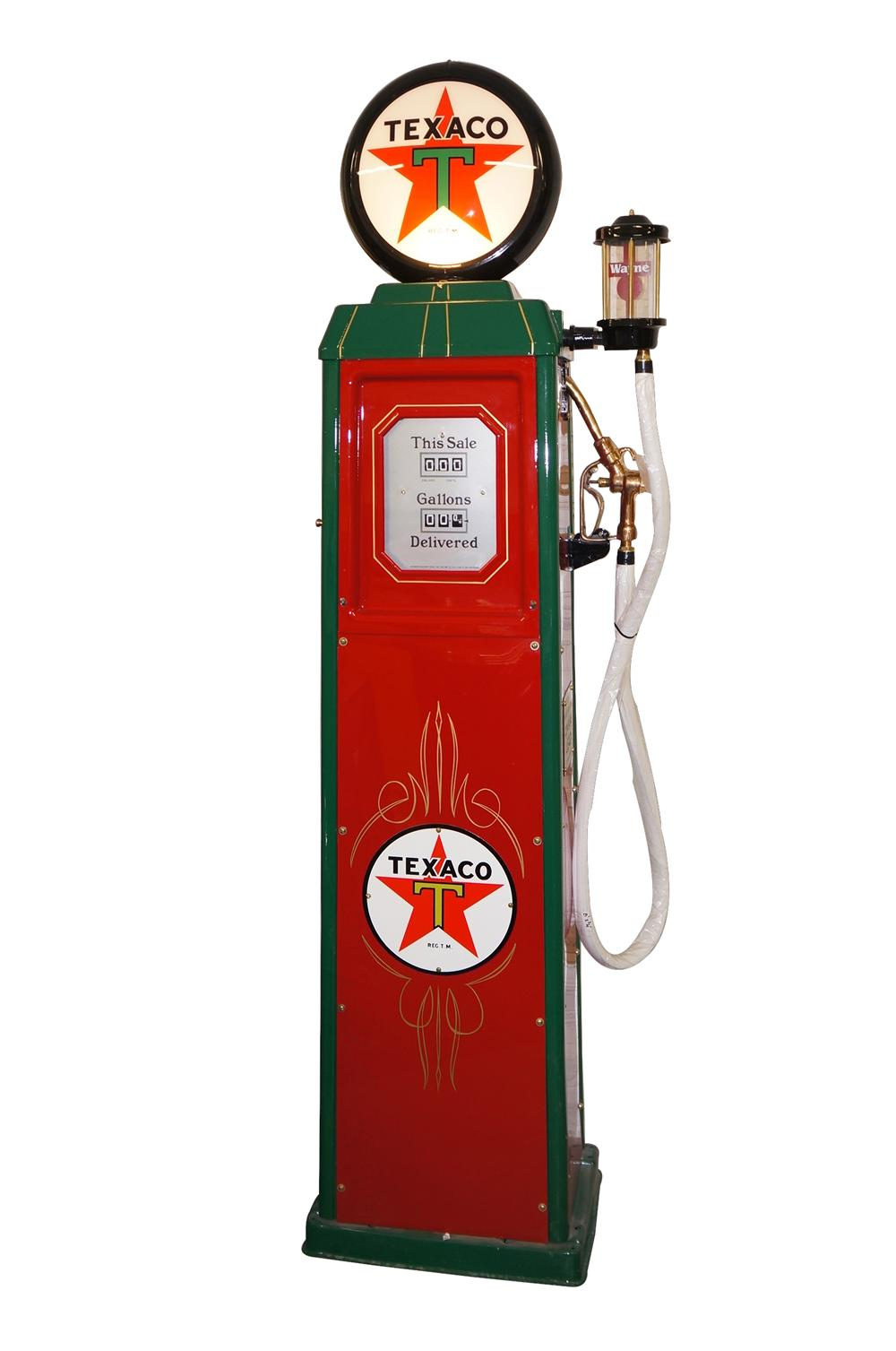 Marvelous and rare 1935 Texaco Oil filling station Wayne model #40 restored gas pump. - Front 3/4 - 138528