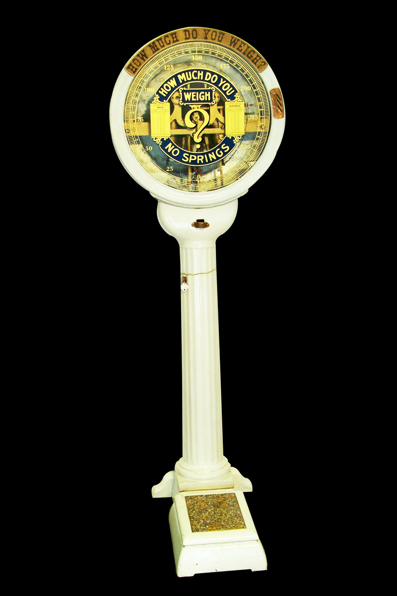 Impressive 1920s Watling coin-operated porcelain finished penny scale. - Front 3/4 - 138622