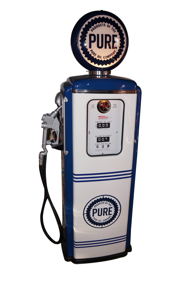 Splendid 1952 Pure Oil Tokheim model #39 restored service station gas pump. - Front 3/4 - 138733