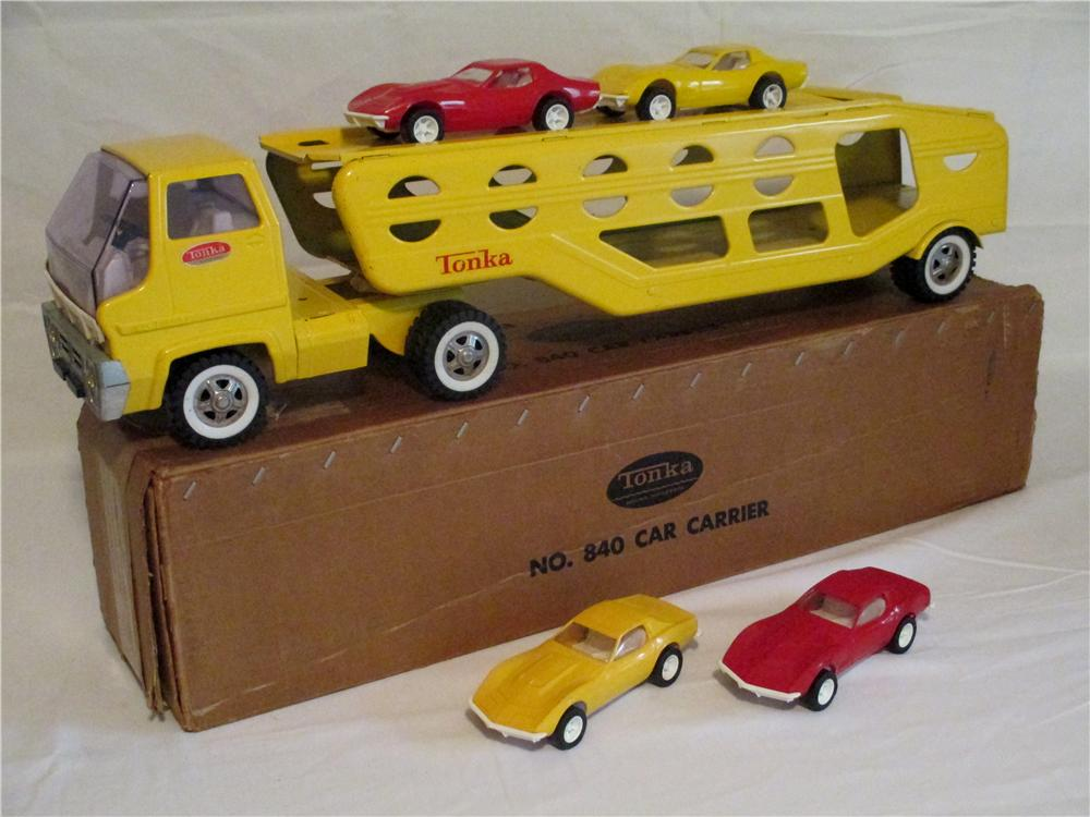 Very nice 1968 Tonka Car Carrier #840 with four period corvettes.  Still in the original box! - Front 3/4 - 138860