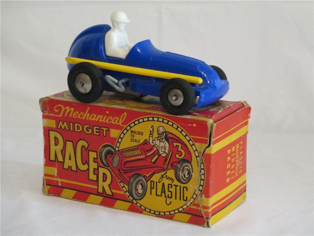 Found in the original box 1950s wind-up mechanical Midget Racer with driver. - Front 3/4 - 138861