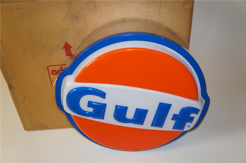 N.O.S. 1960s-70s Gulf Oil single-sided light-up service station sign still in the original shippping box. - Front 3/4 - 139659