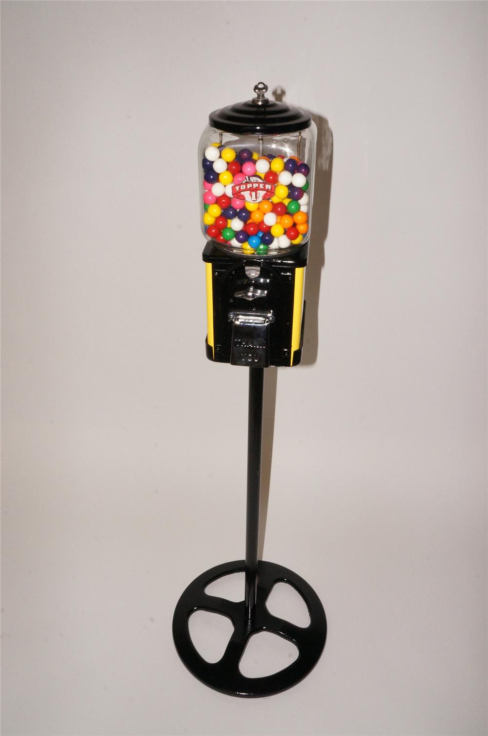 Nicely restored 1940s-50s Topper one cent gumball machine on stand. - Front 3/4 - 139785