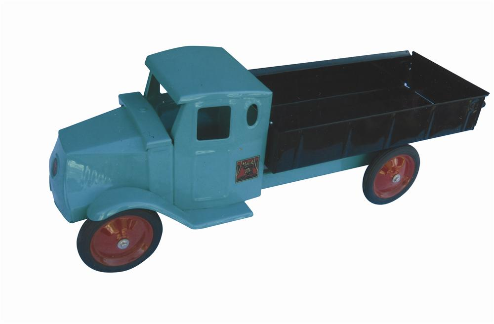 Killer 1924 Keystone Mack Dump Truck fully restored to factory presentation with accurate colors and more. - Front 3/4 - 139802
