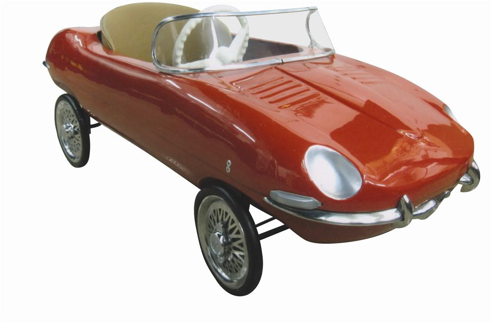 Wonderful 1960s Jaguar XKE Roadster pedal car by Tri-Ang of Great Britain.  Beautiful original condition! - Front 3/4 - 139808