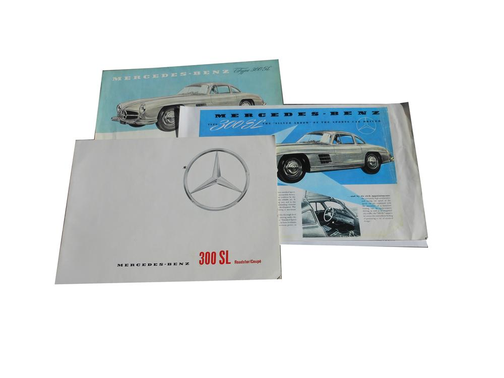 Scarce Mercedes 300 SL Roadster 16 page sales brochure which includes three Gullwing single sheet flyers. - Front 3/4 - 139860