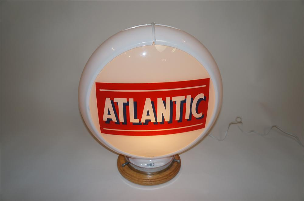1950s Atlantic Gasoline gas pump globe in Capcolite Body. - Front 3/4 - 151621