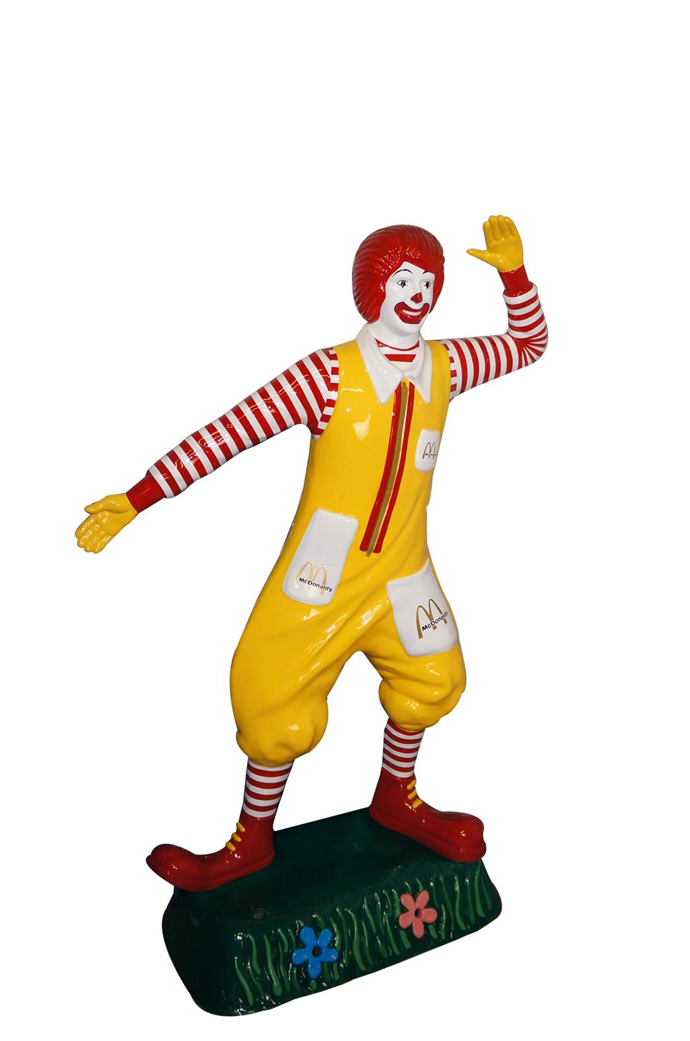 Authentic nicely restored McDonalds Ronald McDonald vintage three-dimensional restaurant statue.  Simply superb! - Front 3/4 - 151786
